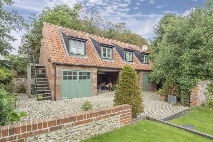 Click here for more about Tudor Cottage Annexe