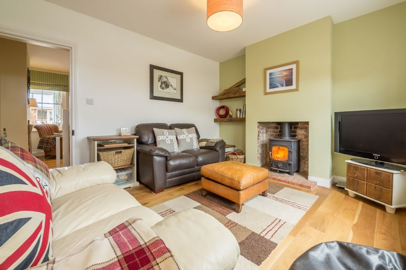 Click here for more about Langleys Cottage