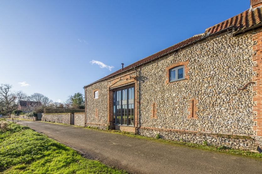Click here for more about Nelsons Barn