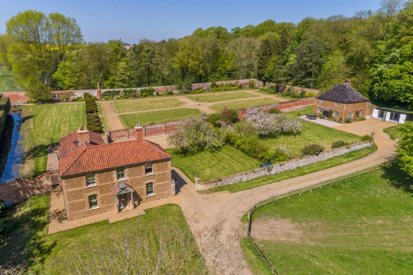 Click here for more about Cottages in the Walled Garden