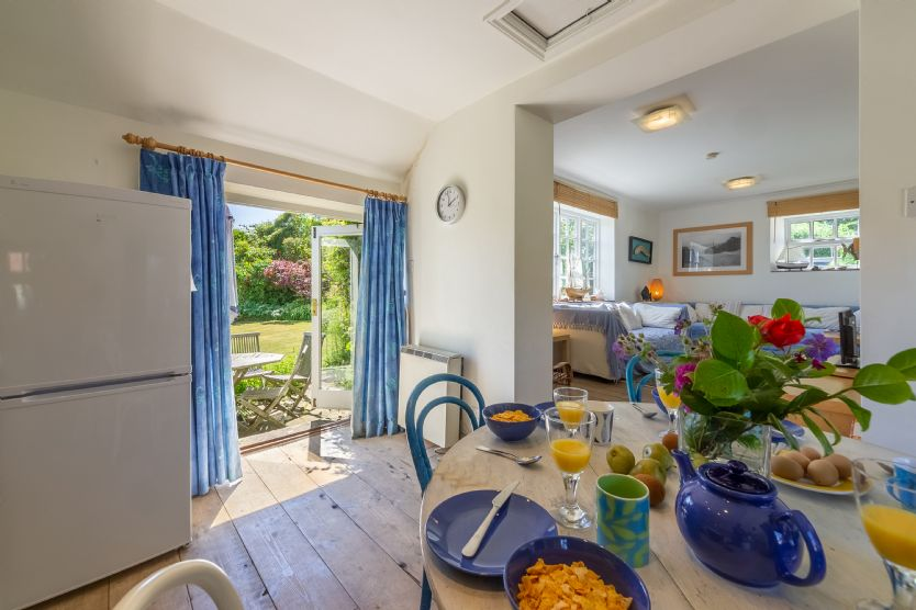Tethys Cottage, 16 Abbey Mews is located in Binham