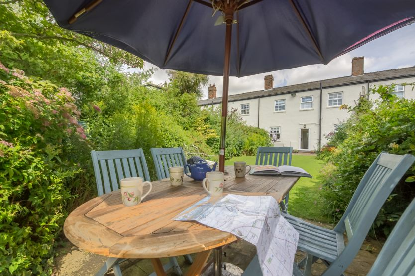 Click here for more about Poppy Cottage (Docking) (2)