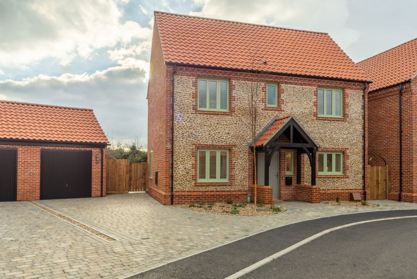 Hare Cottage is located in Bodham