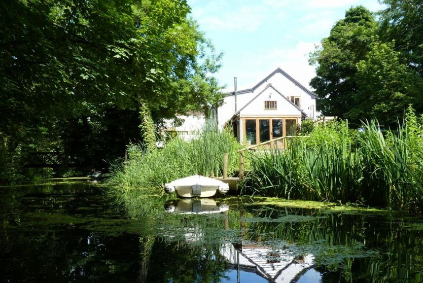 Click here for more about Riverside Cottage