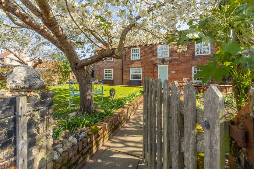 Click here for more about Cobblers Cottage