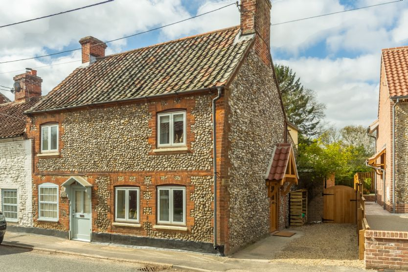 Click here for more about Christies Cottage