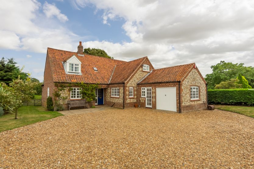Click here for more about Orchard Cottage (BT)