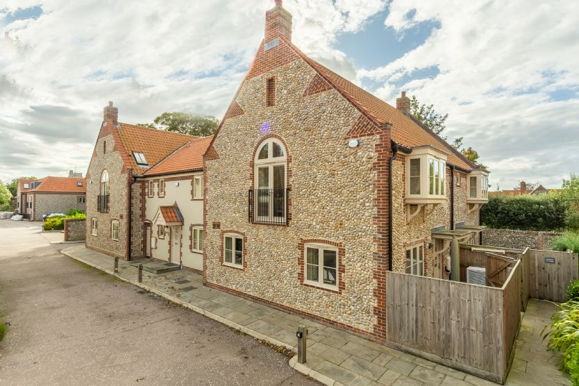 Tucked Away Cottage is located in Langham