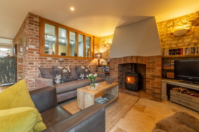 Click here for more about Cog Cottage