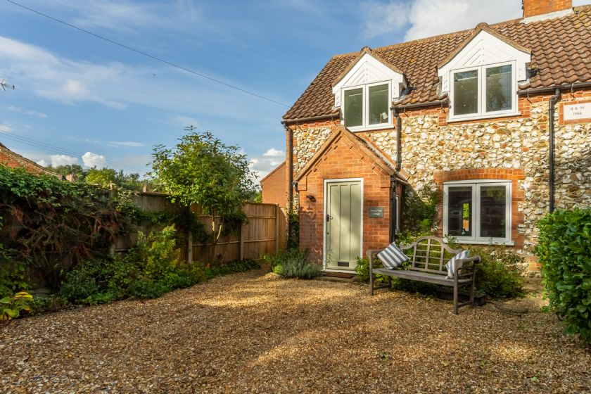 Click here for more about Cherry Tree Cottage (GB)