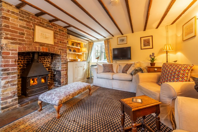 Click here for more about Pear Tree Cottage (B)