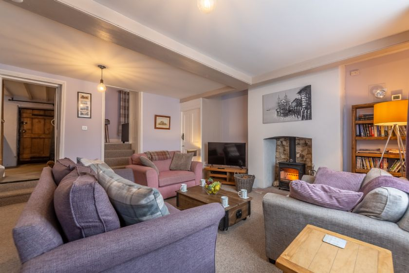 Click here for more about Greyhound Cottage