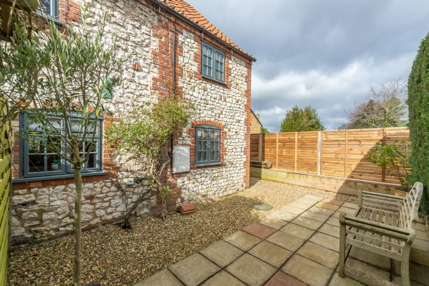 Click here for more about No. 33 Cottage 4