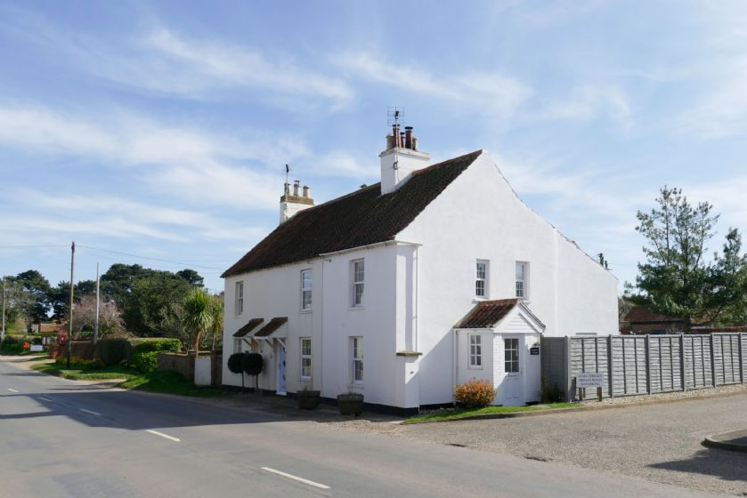 Click here for more about Samphire Cottage (BS)