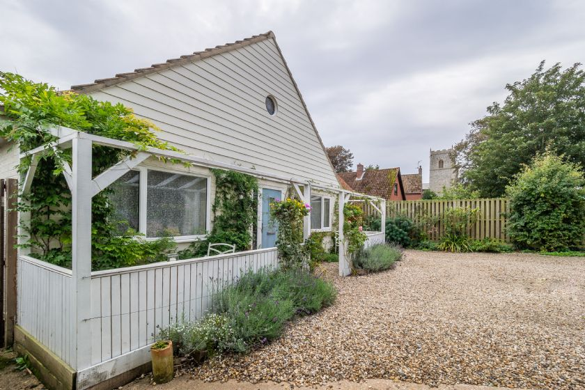 Click here for more about Bettys Cottage