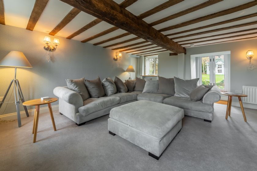 Click here for more about Barn Cottage (6)