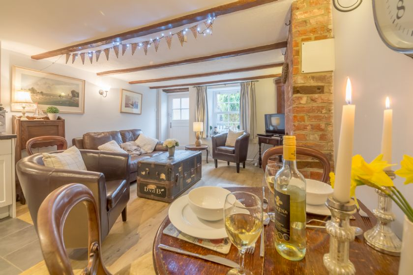 Click here for more about Alberts Cottage (2)