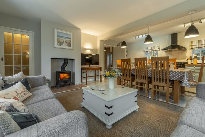 Click here for more about 2 Dix Cottages