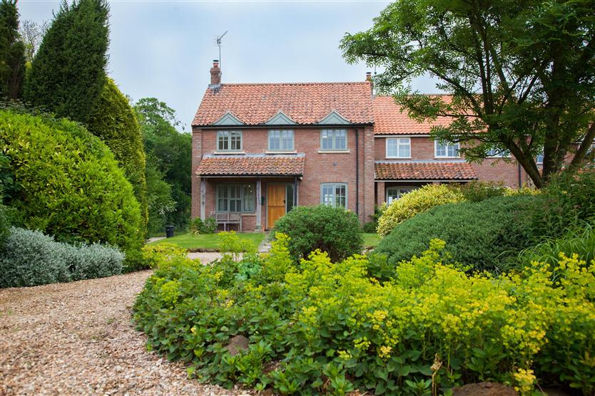 Click here for more about Marigold Cottage