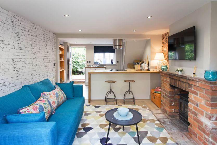 Click here for more about No. 33 Cottage 1