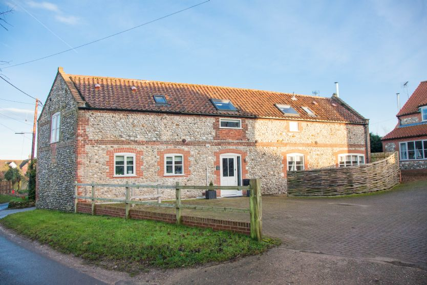 Click here for more about Coach House (D)