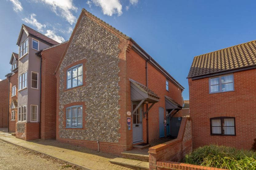 Click here for more about Avocet Apartment