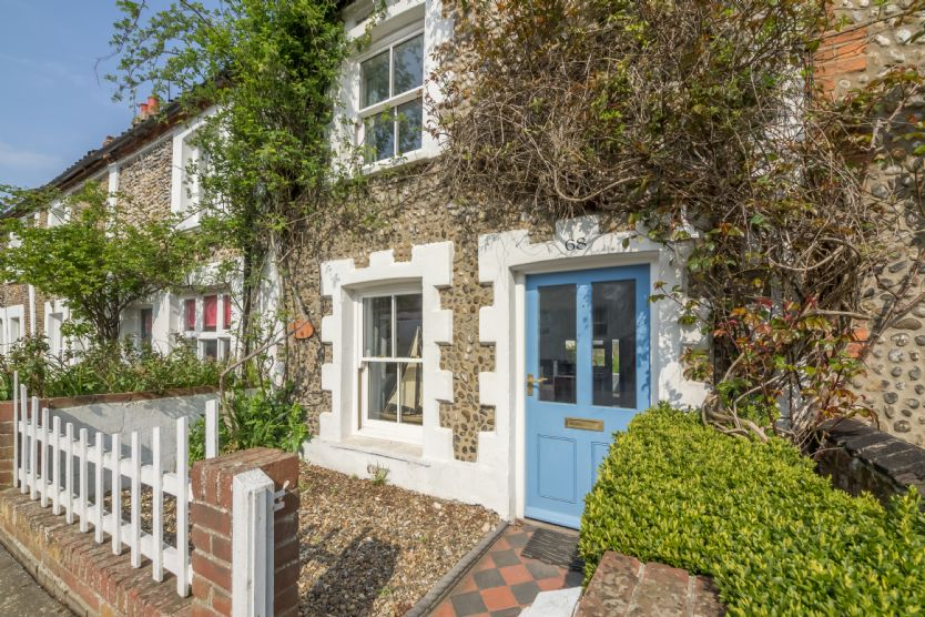Click here for more about Burnham Cottage