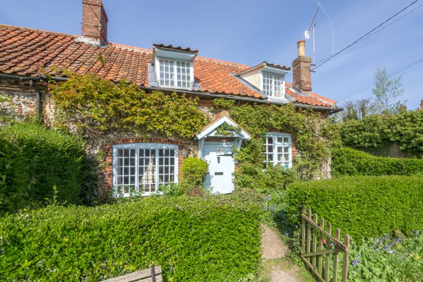 Click here for more about Brooke Cottage