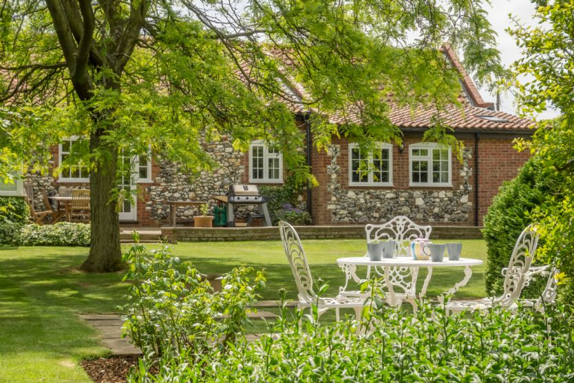 Click here for more about Westgate Cottage (Thornham)