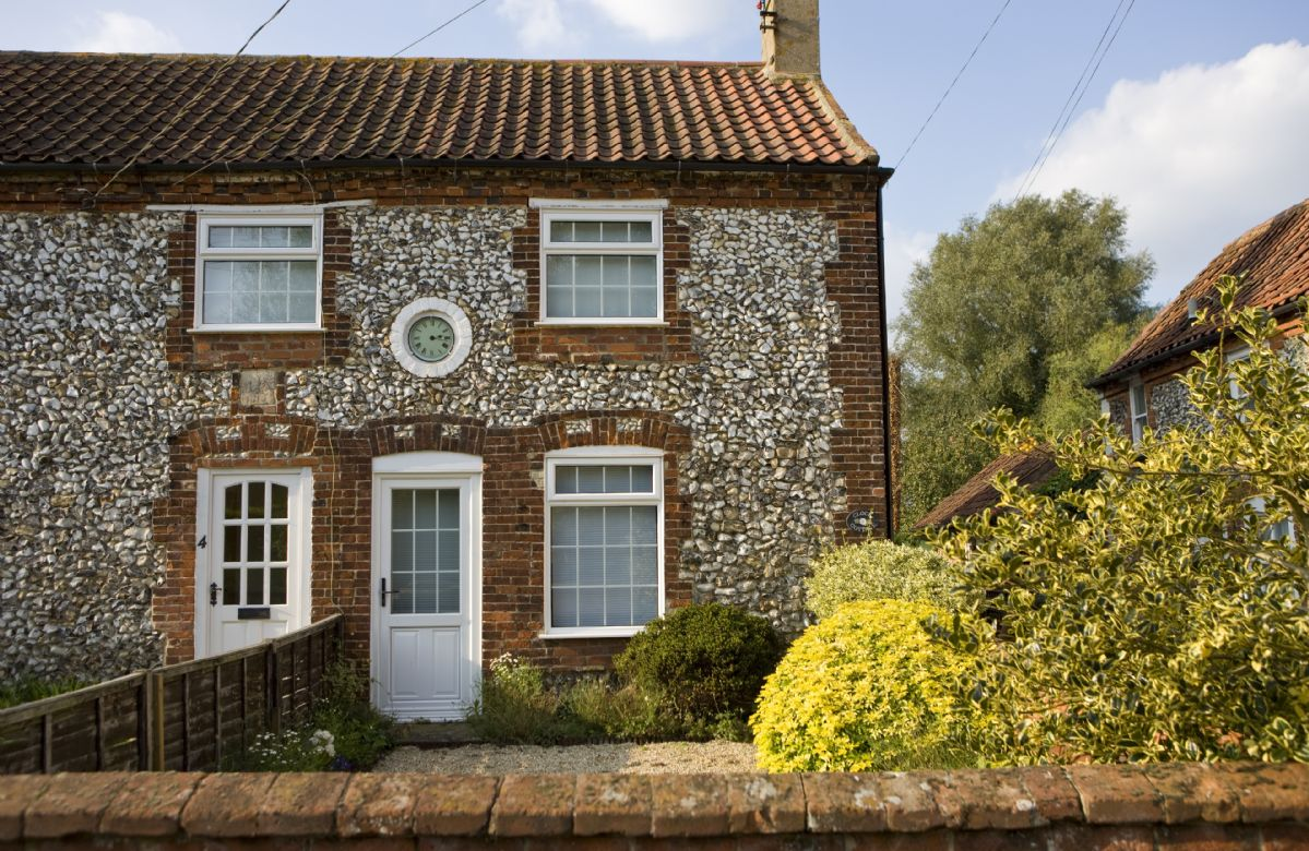 Clock Cottage is located in East Rudham