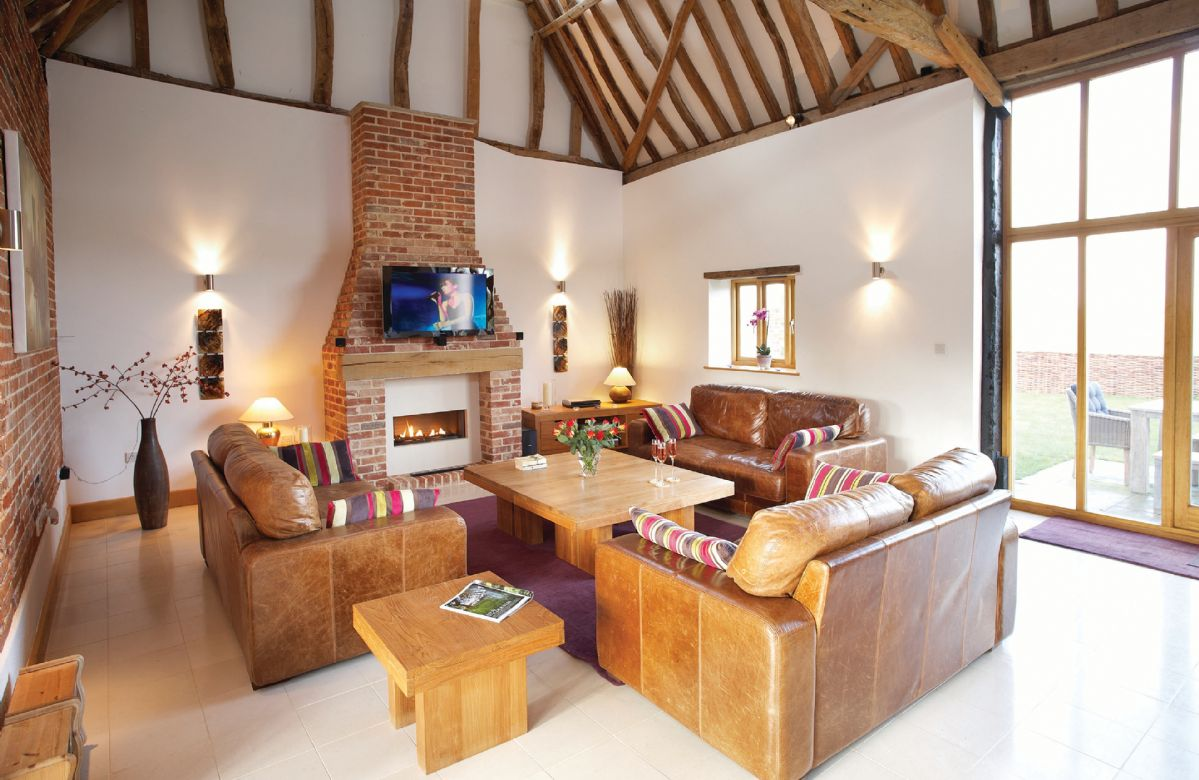 Thatch Barn is located in Burlingham Green