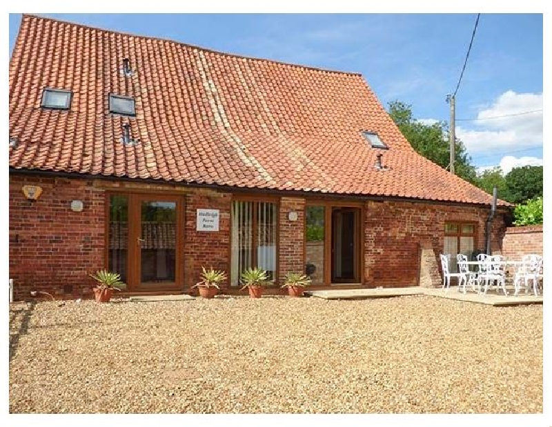 Click here for more about Hadleigh Farm Barn