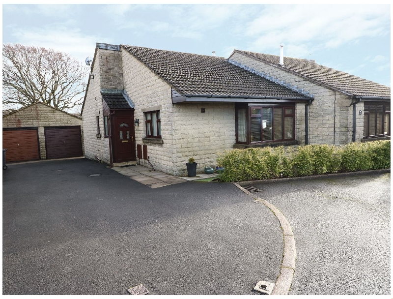 Click here for more about 14 Silverlands Close