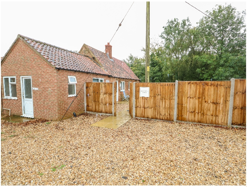 Click here for more about Hadleigh Farm Cottage